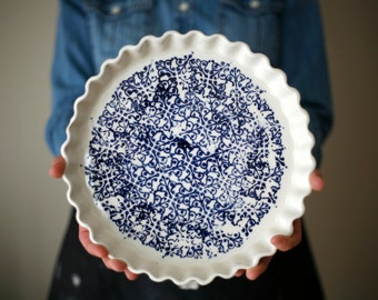 La tourtière d'Annette, white and blue - Pie plate - artetmanufacture