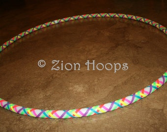 "RAINBOW WEAVE grip 3/4"" HDPE white hula hoop // Push Button Collapsible"