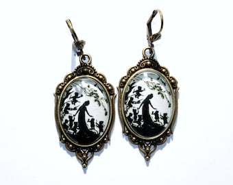 Snow White Silhouette Art Nouveau Earrings bronze- or silvercolored - Fairy tale childhood nostalgia black and white