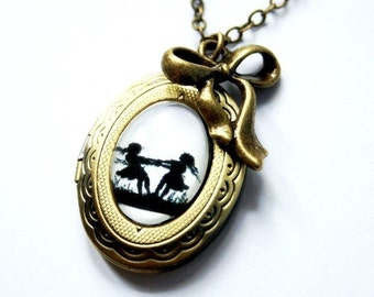 Dancing Sisters Silhouette Locket Necklace bronzecolored - Nostalgia Childhood gift best friend daughter sister twin mother necklace jewelry