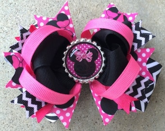 MINNIE MOUSE Hair Bow Boutique Style Minnie Bottle Cap Hair Bow in Hot Pink Black Chevron