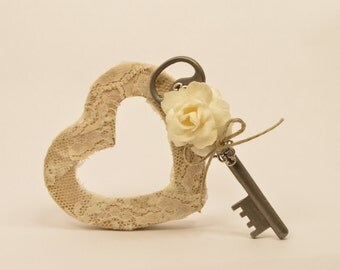 Ivory Rose Vintage Skeleton Key Boutonniere