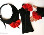 RESERVED. Custom order. Felted necklace and fingerless. Red poppies. Elegant black felted set. Black with red poppy.