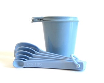 Arrow Plastic Measuring Cup Set Blue Gray or Unmarked Plastic Measuring Spoons 1980s Kitchen