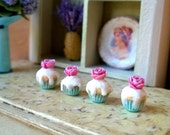 1/12 scale miniature dollhouse pink rose cupcakes-Set of 4.
