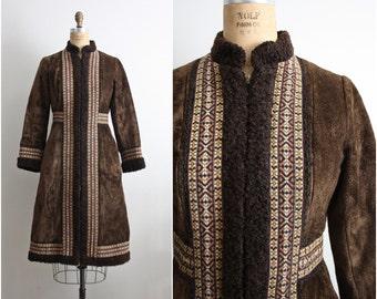 60s Coat / 1960s faux fur tapestry Princess Coat / Bohemian Coat. Size S/M