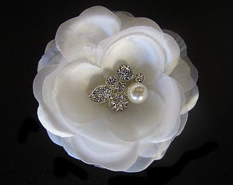 Alice 2 - Ivory Flower Fascinator Hair Clip With Pearl Rhinestone