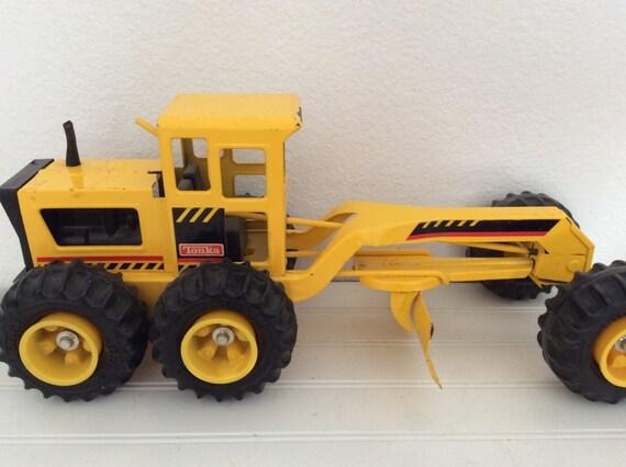 Vintage Tonka Tractors : Vintage metal tonka truck road grader tractor by mushroommary
