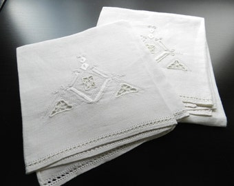 Vintage Cutwork Art Deco Style White Off White Linen Towels Set of 2