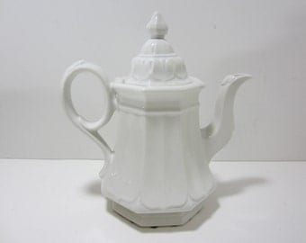 Ironstone Coffee Pot or Teapot, Red Cliff Sydenham Coffee Pot