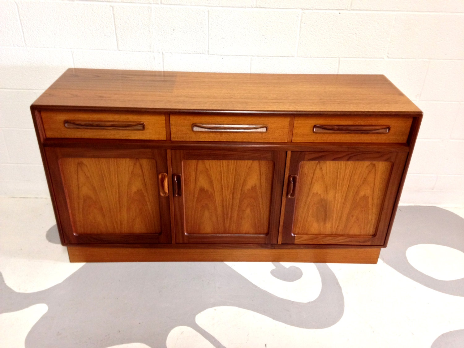 Mid Century Modern Buffet Credenza In Teak And Rosewood By Victor . Full resolution  portrait, nominally Width 1500 Height 1125 pixels, portrait with #460C03.