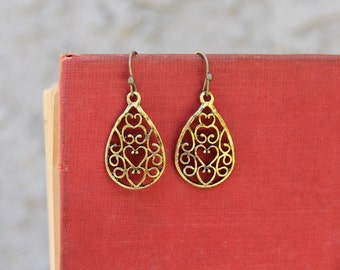 Gold Filigree Earrings, Vintage Style, Art Nouveau Earrings, Filigree Heart Jewelry, Delicate Earrings, Lacy Jewelry, Romantic Jewelry