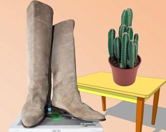 80s Beige Knee High Boots Flats Size 8 US 38.5 EU 5.5 UK Vintage desertstorm Pirate Boots Boho Hippie