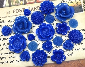 20x Resin Flower Cabochons - Navy