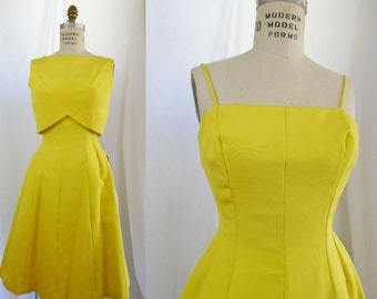 """Gorgeous Vintage NOS 1950s Bright Yellow Sundress 2 Piece New With Tags Bonwit Teller """"Styled by Janet"""" 27"""" waist"""