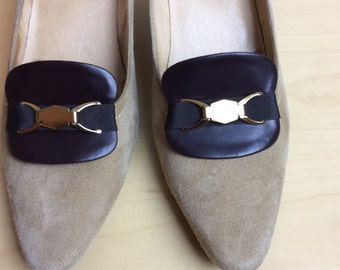 Big brown shoe clips