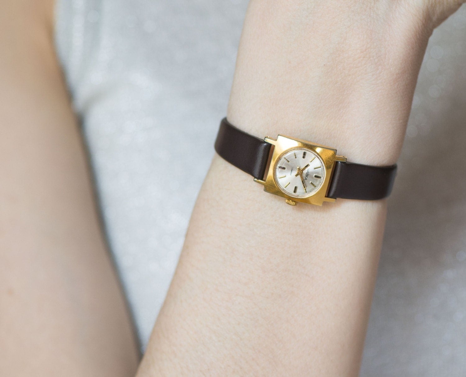 Sensational Square Ladys Watch Gold Plated Womens Watch Short Hairstyles For Black Women Fulllsitofus