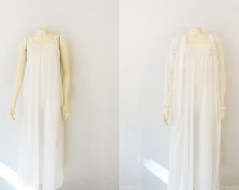 Vintage Nightgown & Robe Vasserette Crepelon Ivory White Negligee and Dressing Gown Bridal Lingerie size Small Modern XS - S