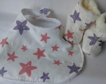Shoes/ baby booties, handmade, cotton, wool, EGST, baby shower gift, new baby, new mum, stars