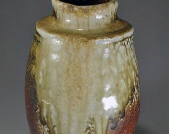 Shigaraki, anagama, ten-day anagama wood firing, with natural ash deposits pot. tsubo-15