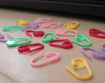 Plastic Stitch Markers / Stitch Holders / Row Counters - Sets of 20, 100 or 200