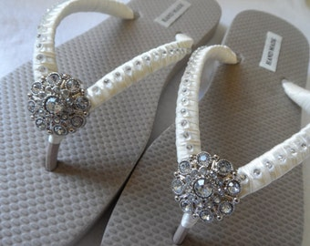 Sand Flip Flops / Bridal Party Flip Flops / Bridesmaids Flip Flops / Flower Girls..