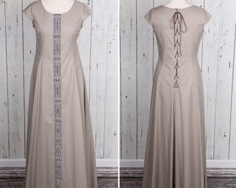Long beige Medieval style dress, short sleeves, laced on back