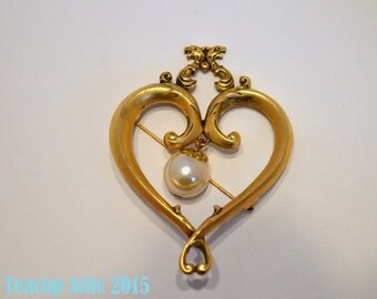 ON SALE Save 25% Large Gold Colored Heart and Pearl Brooch, Pin, c. unknown