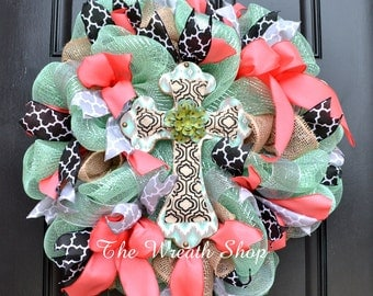 Spring Cross Wreath in Mint, Coral, and Black with Quatrefoil