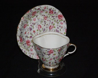 Antique 1950's Clarence English Bone China Tea Cup and Saucer Pink Roses Chintz Pattern