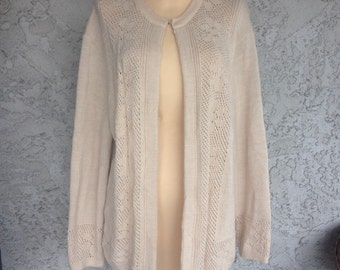 Vintage beige knit cardigan with intricate knit floral detail pattern with top hook eye closure