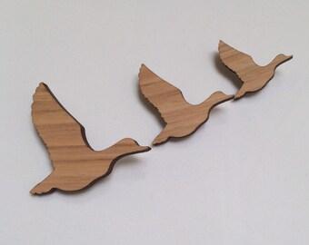 Wood laser cut brooches set three flying ducks vintage natural wood varnished