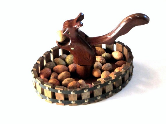 Carved squirrel nut cracker and nut bowl kitchen accessories - Squirrel nut crackers ...