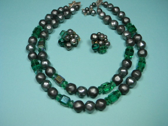 Green Jewelry Set, Two Strand Necklace and Earrings, Vintage Classic