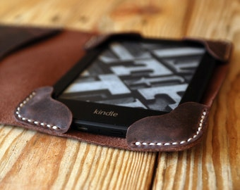 Kindle cover. Kindle paperwhite cover. Dark brown Kindle leather cover. Kindle Touch and Paperwhite case. Kindle case. Ebook cover