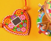 Mintapalinta MOM Handpainted, Heart-shaped Wooden Necklace, Gingerbread with Small Mirror Decoration, Free Shipping
