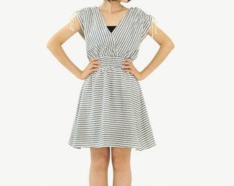 Simple White & Gray Stripe Fashionable Retro Style Dress