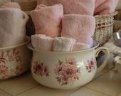 On SALE Vtg Pink Floral Champerpot Made in England Great for Towel Holder