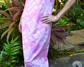 Lovely pink vintage muu muu / maxi dress  Hawaii.
