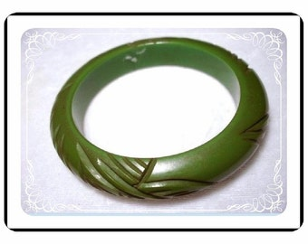 Green Bakelite Bracelet - Vintage Carved  Brac-1836a-040810000