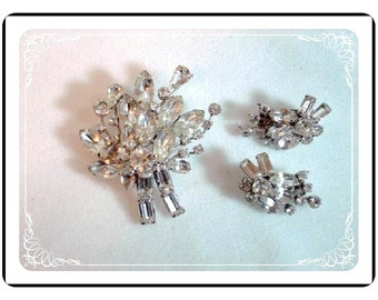 Vintage Continental Brooch Demi  -  Signed Rhinestone Flower Bouquet  Demi-1155a-012312000