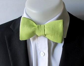 Bowtie - Apple green linen men's bowtie -  classic self tie bowtie