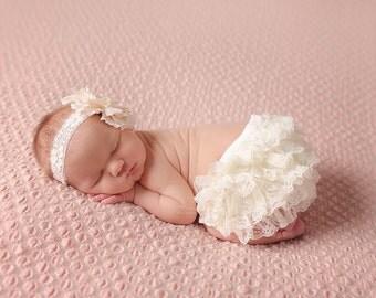 Newborn Bloomers, Baby Bloomers, Ruffle Bloomers, Lace Ruffle Bloomers, Ruffle Bum, Diaper Cover, Baby Disper Cover, Ivory Bloomers, Lace