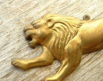 Brass Lion Stamping - Jewelry Supplies - Lion Pendant - Lion Findings