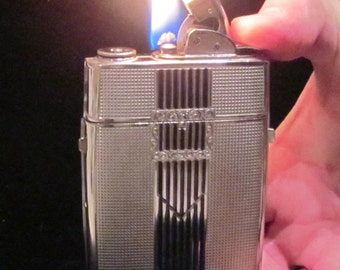 Vintage Evans Case Lighter Cigarette Case Cigarette Lighter Art Deco Buckle Design Elegant 1940s Excellent Working Condition RARE and UNIQUE