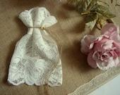 Ivory Lace Favor Bags, Wedding Lace Favor Bags,50 Vintage Favor Bags, Ivory Lace Favor Bags, Baptism lace bags