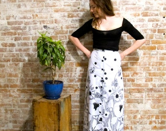 1960s Black White Skirt - Long Skirt - 1960s - Vintage Maxi Skirt - Floral Print - Black and White