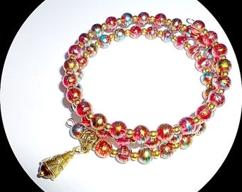 Glass foil bead bracelet. Pink, copper, turquoise, gold - Memory wire - Gold and bead dangle
