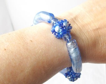 Blue Glass Noodle Bracelet with Beaded Bead Accents and Magnetic Clasp