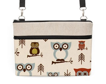 "iPad Pro 12.9 Shoulder Bag, MacBook Pro 13"" sleeve with strap, Macbook 15"" Retina Messenger Bag, Surface Crossbody - cute owls in off white"